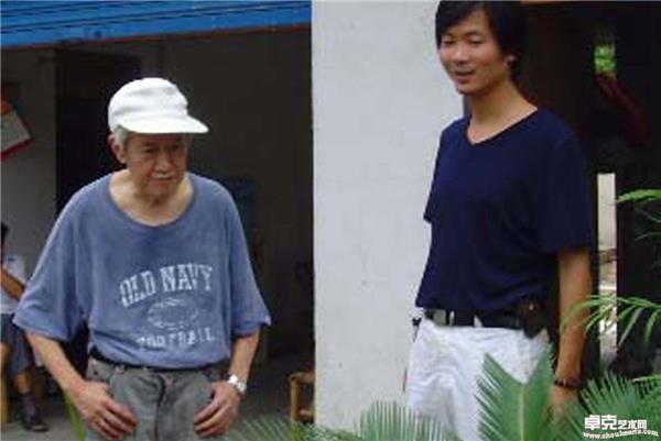 (2006年)和著名画家、作家孙木心先生在吴江花木市场